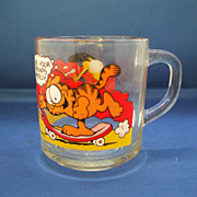 "Garfield & Odie Anchor Hocking Mug ""Use Your Friends Wisely"""