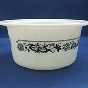 Pyrex Old Town Blue Onion Margarine Tub No Lid