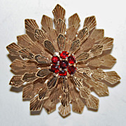 Large RETRO 14K GOLD BROOCH - Ruby Cluster, c1940  (Domed Snowflake)