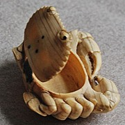 19th Century - Japanese IVORY BOX  (carved Ivory Crab Box)