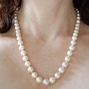 Vintage PEARL NECKLACE - Long / Lustrous / 8mm White Pearls