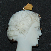 Victorian Shell CAMEO PENDANT - 14k Gold / Unique Cut-Out Profile