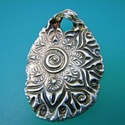 Feminine Passion Pendant  - Artifact Collection
