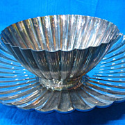 Reed and Barton Silverplate Scalloped Center Piece - Vintage