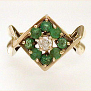 Stylishly Modern 14k Gold Emerald Diamond Estate Ring