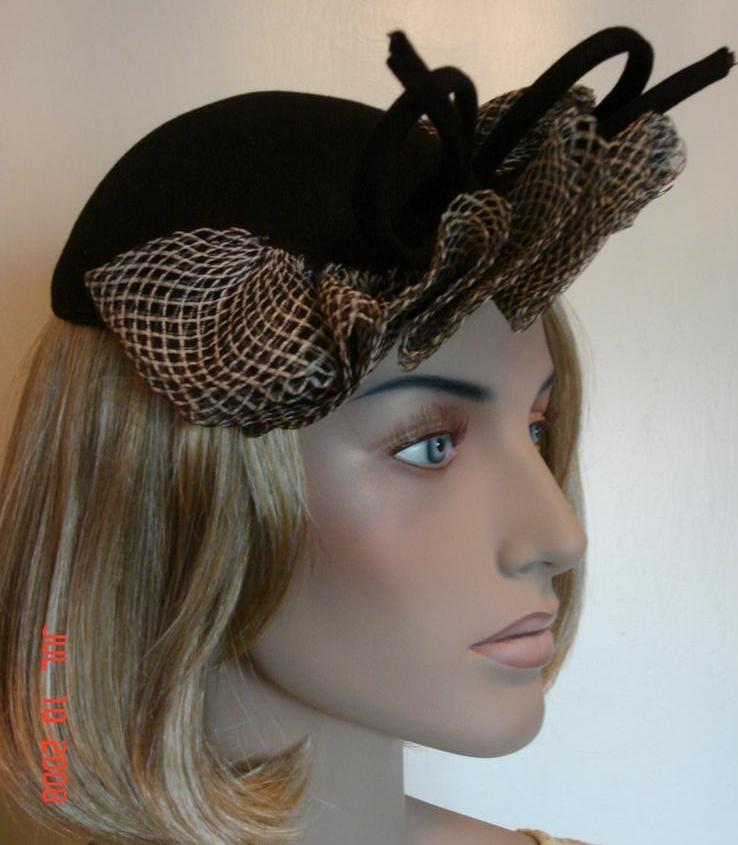 1940 Sophisticated Vintage Black & White Felt Hat