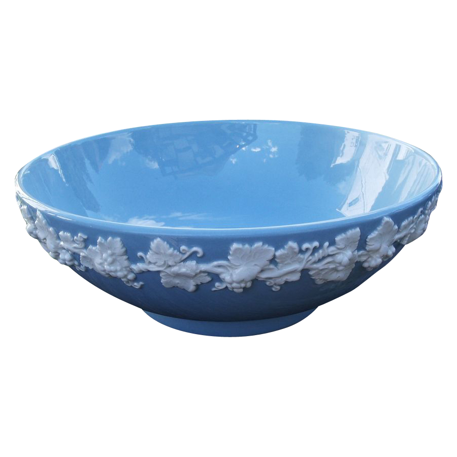 Large Wedgwood Queen's Ware Serving Bowl