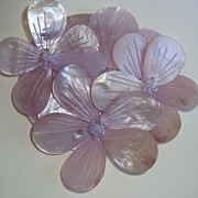 REDUCED Beautiful Vintage Pale Lavender Mother of Pearl Brooch