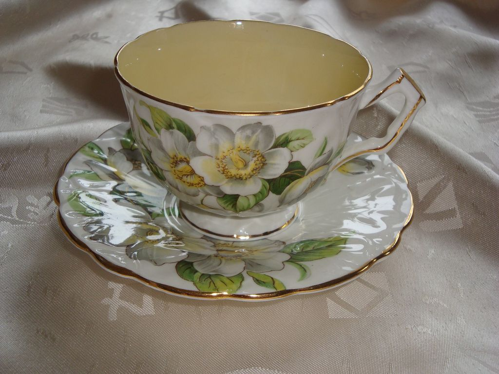 Aynsley C1132 Textured Crocus Shape Orange Blossom Tea Cup and Saucer