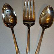 1847 Rogers Bros. Silver Plate - Pierced Serving Spoon - Meat Fork - Serving Spoon 'Daffodil' 