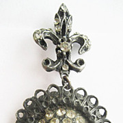 Black Japanned Decorative Medallion Pin with Fleur de Lis & Rhinestones