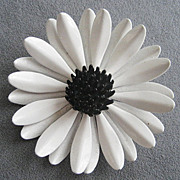 Mod Black & White Enamel Flower Pin with Spiky Center