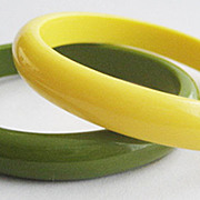 Two Plastic Retro Dimestore Bangle Bracelets - Pea Green & Creamed Corn Yellow
