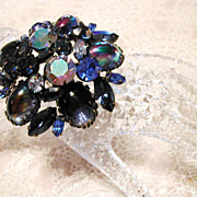 SALE SALE!!...Another Chunky Gorgeous Signed 'Regency' Blue Cabochon Borealis Rhinestone Pin P