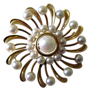 14K gold and pearl sunburst pin. vintage 50s-60s  25 pearls,