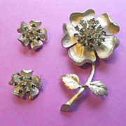 Ledo 1961 Flower Brooch and Earrings