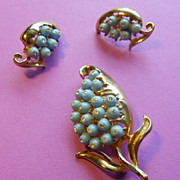 Super Feminine Blue Brooch & Clip Earrings