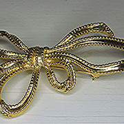 Large Trifari Bow Ribbon Brooch