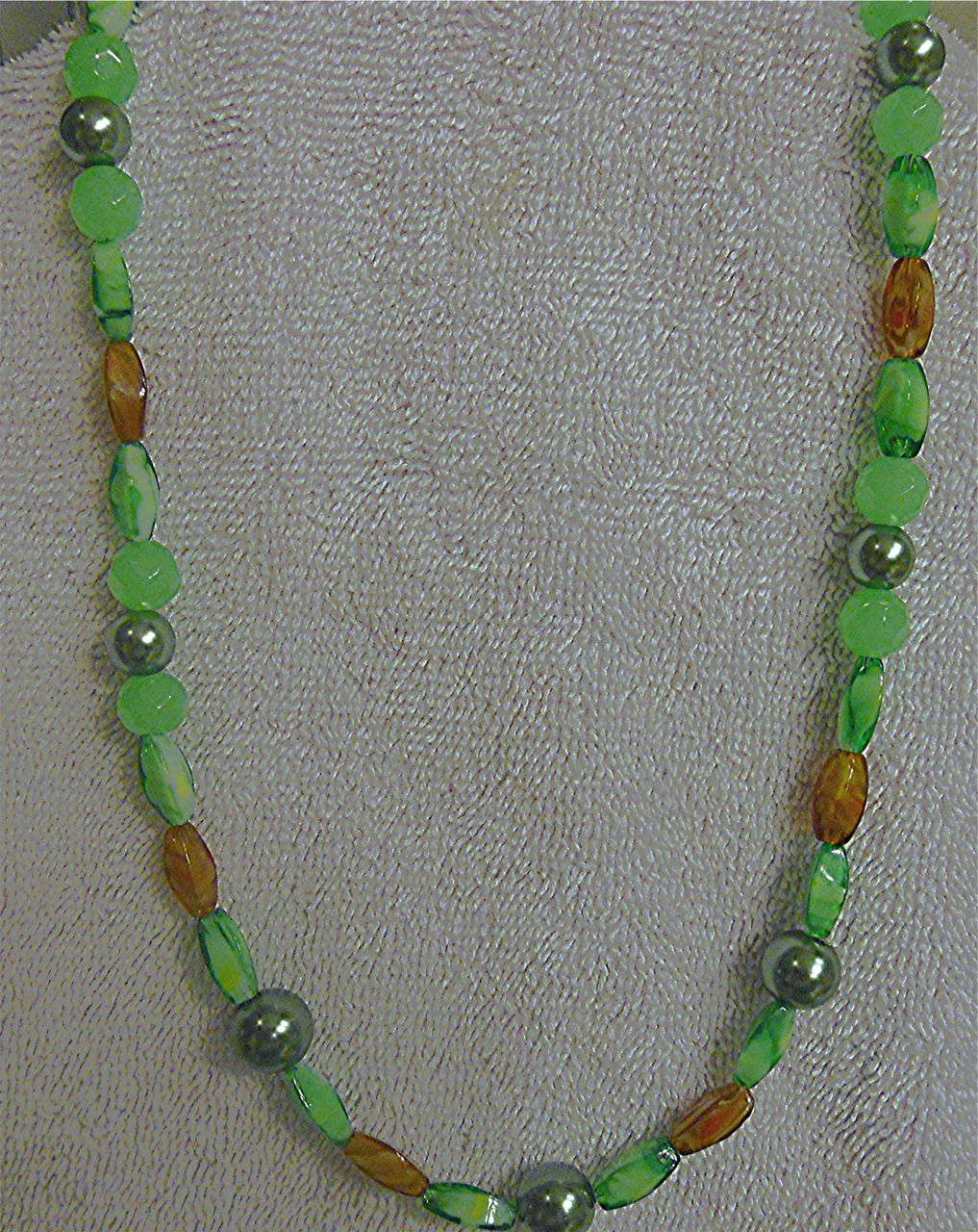 Single Strand Necklace - Go Green