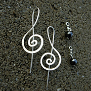 Sterling n Hematite Treble Clef Earring