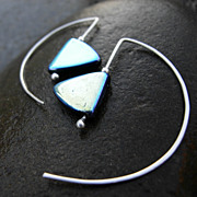 CRESCENT FLASH Argentium Silver Czech Glass Mod Hoop Earring Black Friday to Cyber Monday Sale