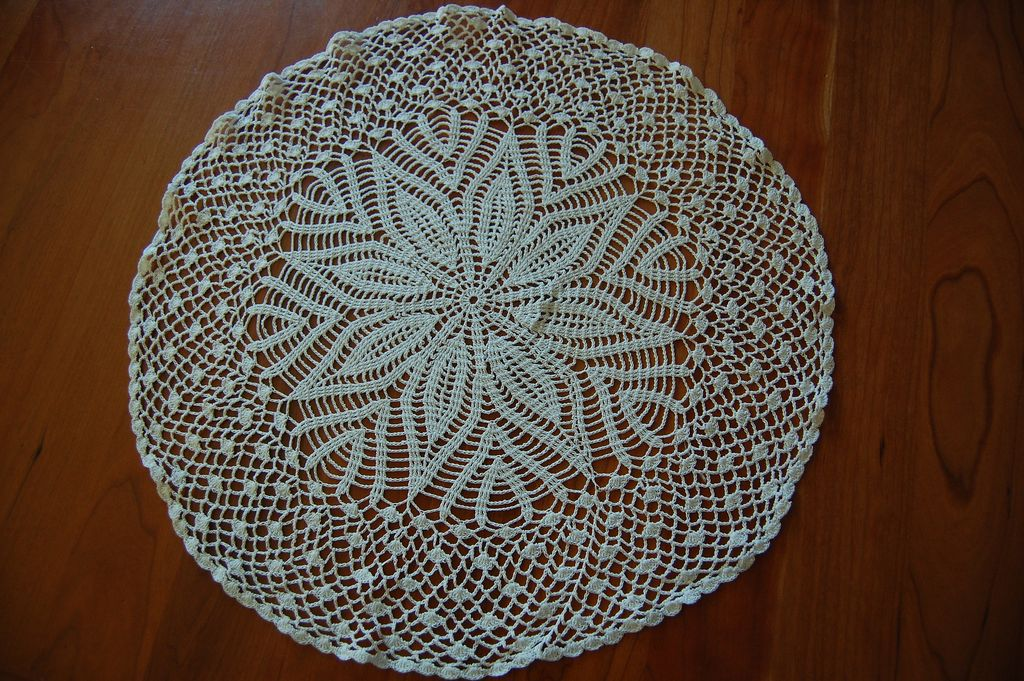 Beautiful vintage Lily Star white crocheted doily