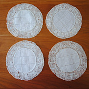 4 Vintage linen and Pillow lace coaster mats/doilies