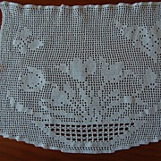 Vintage filet crochet Doily, Basket of Tulips