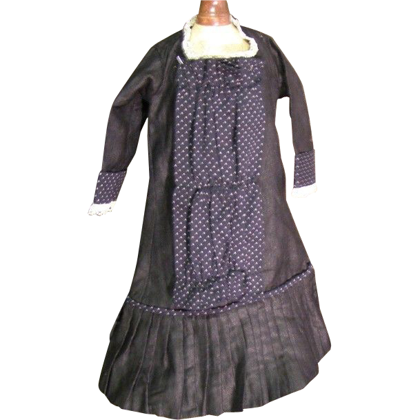 Judy's Dress Shop Laporte IN http://www.rubylane.com/item/174828-b1136/Pretty-vintage-black-doll-dress