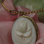 SWEET Genuine Hand Carved Pink Shell Rose Floral Cameo Pendant Necklace Silver