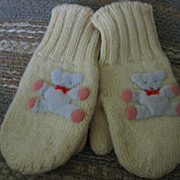 Adorable Vintage Baby or Doll Mittens with Appliqued Teddy Bears