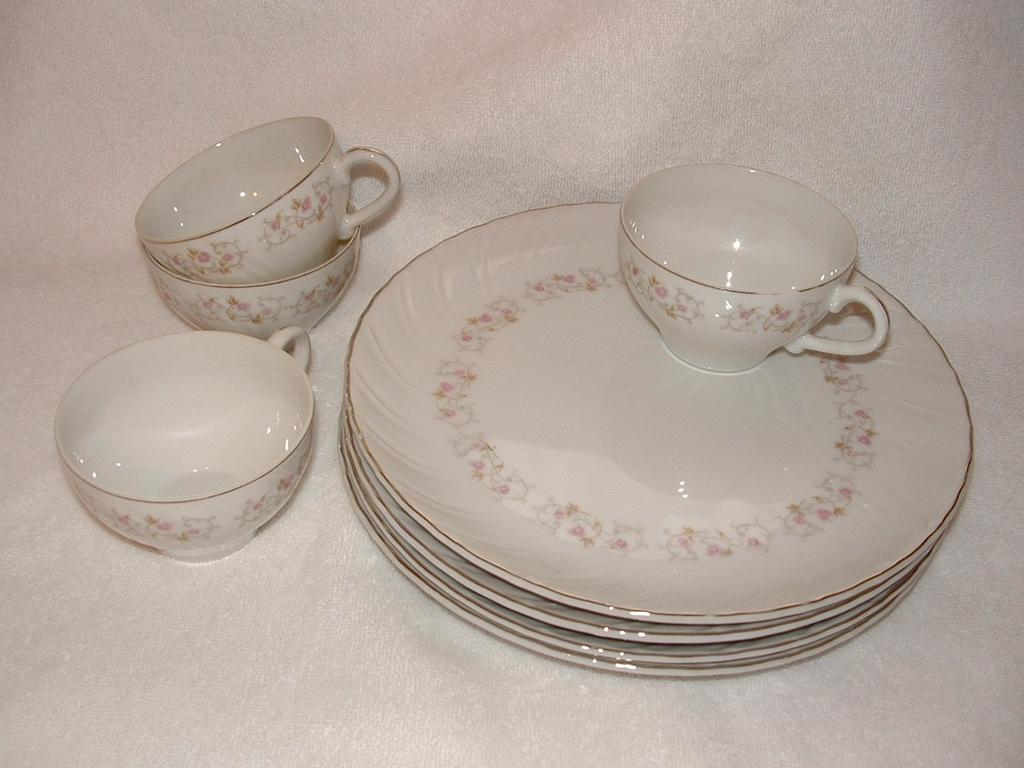 Vintage 8 piece Snack Set, Created By Gift Ideas of Japan: