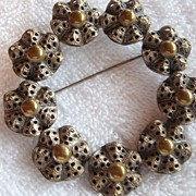 REDUCED Vintage, Large Round Floral, 2 tone Metal, Brooch Pin
