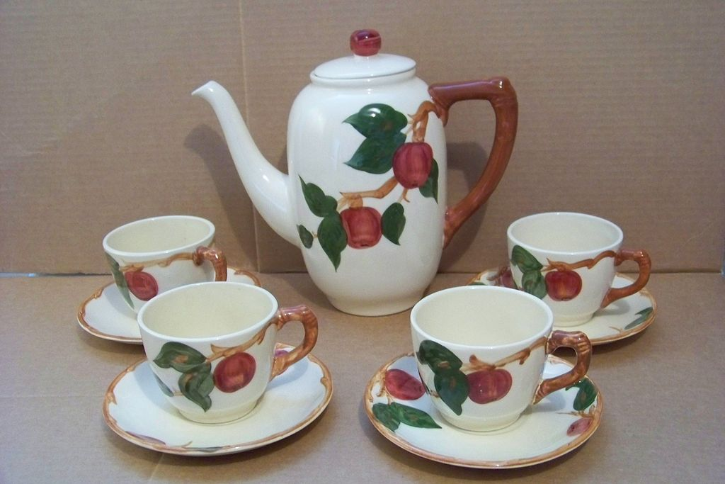 Franciscan Apple Coffee Pot, 4 Cups & Saucers