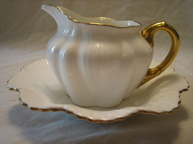 Vintage Shelley Regency Pitcher & Bowl Set Gold Trim