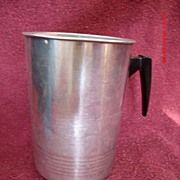 Vintage Aluminum 2 Qt. Pitcher Black Plastic Handle & Ice guard Lip