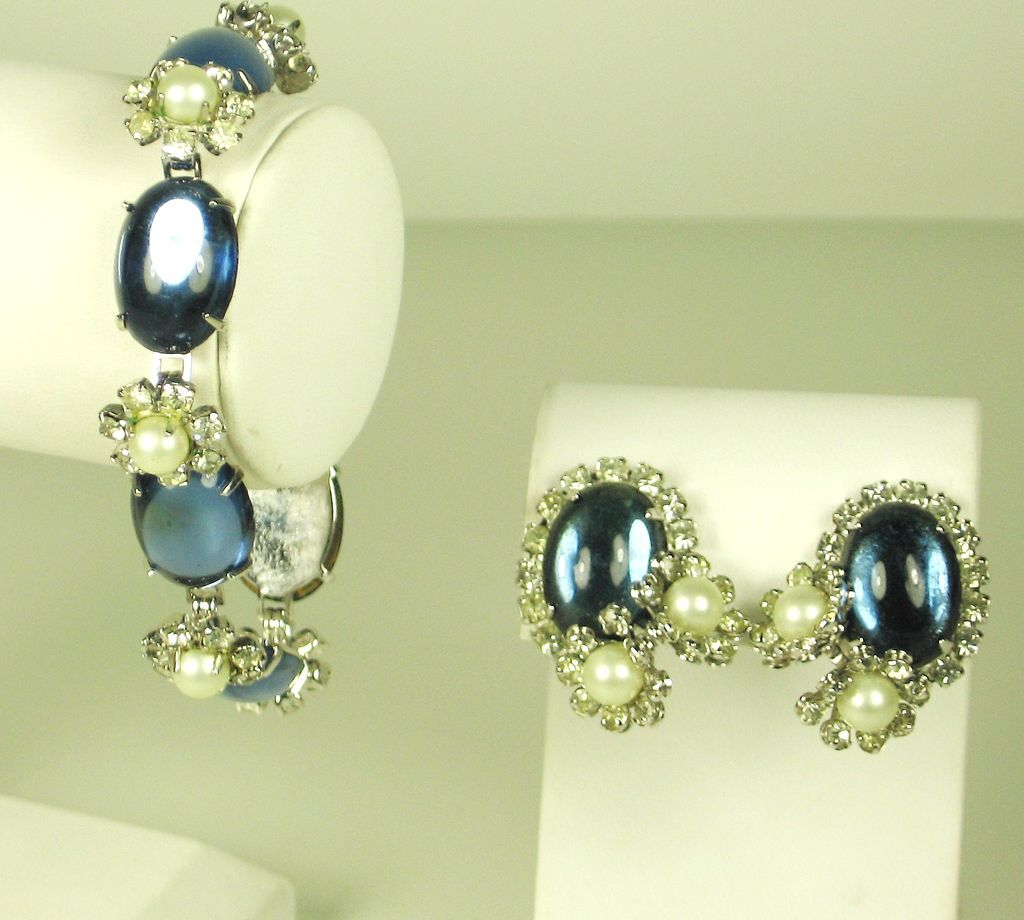 Hattie Carnegie Blue Glass and Imitation Pearl Bracelet and Earrings