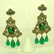 SALE Hattie Carnegie Green Plastic Dangle Floral Earrings