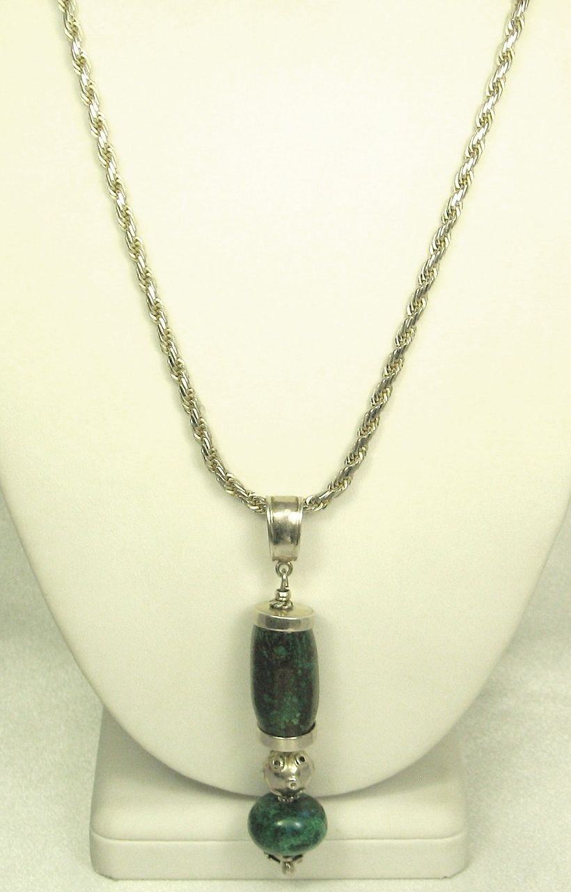 Vintage Marbled Green Stone Pendant Necklace