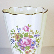 Lenox Fine China Roses Vase with 24kt Gold Accents