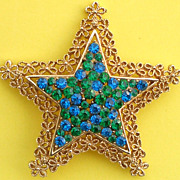 Beautiful Vintage Karu Arke Star Brooch/Pin Blue and Green Rhinestones