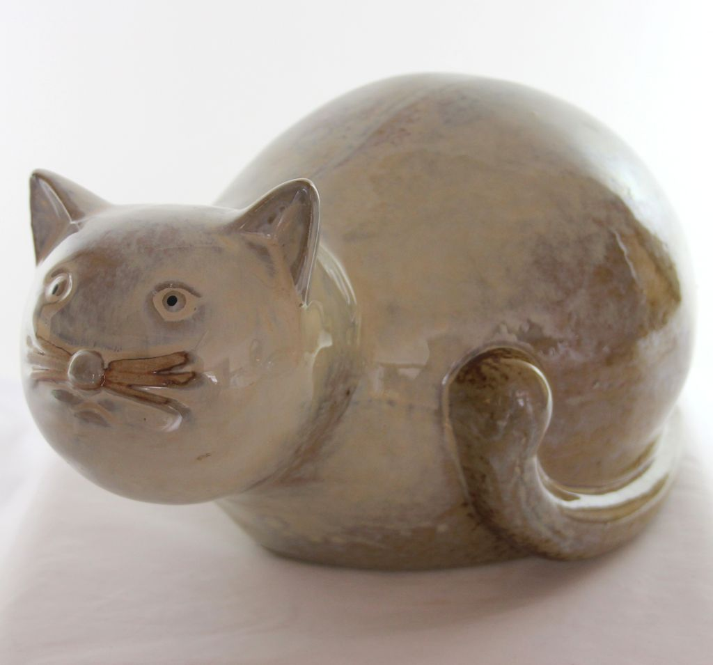 Art Pottery/Ceramic Cat Sculpture, Statue