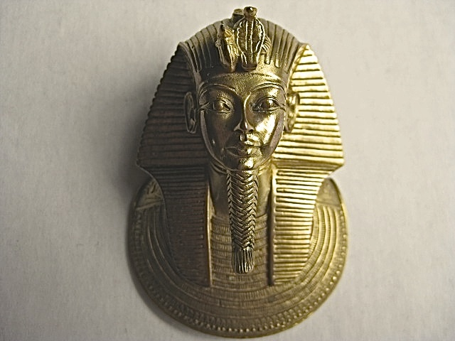 king tut pendant mma 1976 from justsouthofnowhere on ruby lane