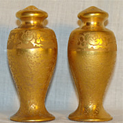 Pickard China Gold Encrusted w/Roses Salt & Pepper Shakers