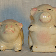Vintage Ceramic Figural Pig Salt and Pepper Shakers