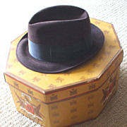 Vintage Man's Classic Dark Brown Fedora Hat - with Box!
