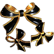 Kenneth Jay Lane Black Enamel & Goldtone 1987 Camelot Collection for Avon Necklace Enhancer & 