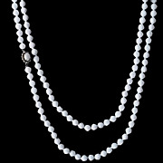 Vintage 30s/40s White Glass Bead Hand-tied Flapper Length Necklace