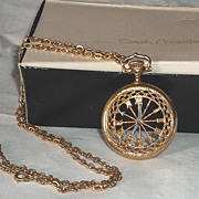 Vintage 1978 Sarah Coventry On Time Necklace Goldtone Clock Pendant