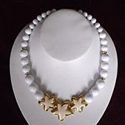 Napier White Bead Cream Enamel Star Fish Goldtone Summer Beach